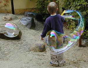 Giant Bubbles for Health. Photo by Harald Bischoff